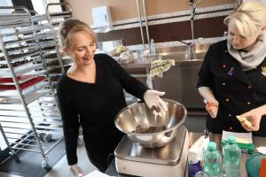 Feinste Pralinen-Produktion für Die Schokoladenvilla Band 2